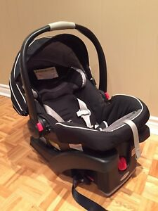 baby car seat with base and stroller Graco