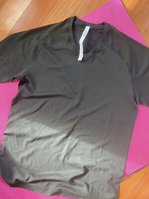 Lululemon Men's Medium Black  T-Shirt Black
