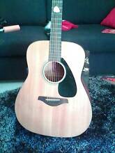 Acoustic guitar for sale Gordonvale Cairns City Preview