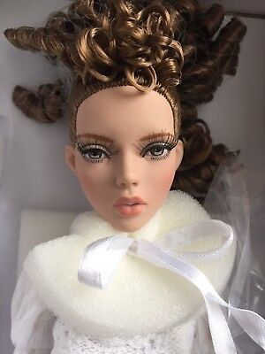Tonner 16  2016 Deja Vu Anne De Leger Innocence Dressed Fashion Doll Nrfb Le 300