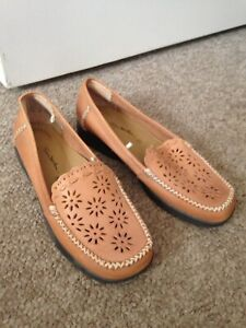 Womans Shoes Thom McAn Size 8 1/2 Pre-owned Classic Sunbury Hume Area Preview