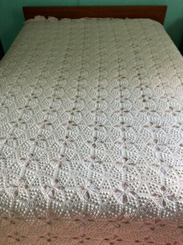 "Vintage crochet bedspread full size very good off white 100"" x 90"""