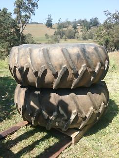 Tractor tyres & rims