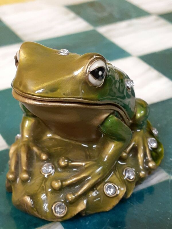 Frog Trinket Box Metal Magnetic Decorative Box with Rhinestones