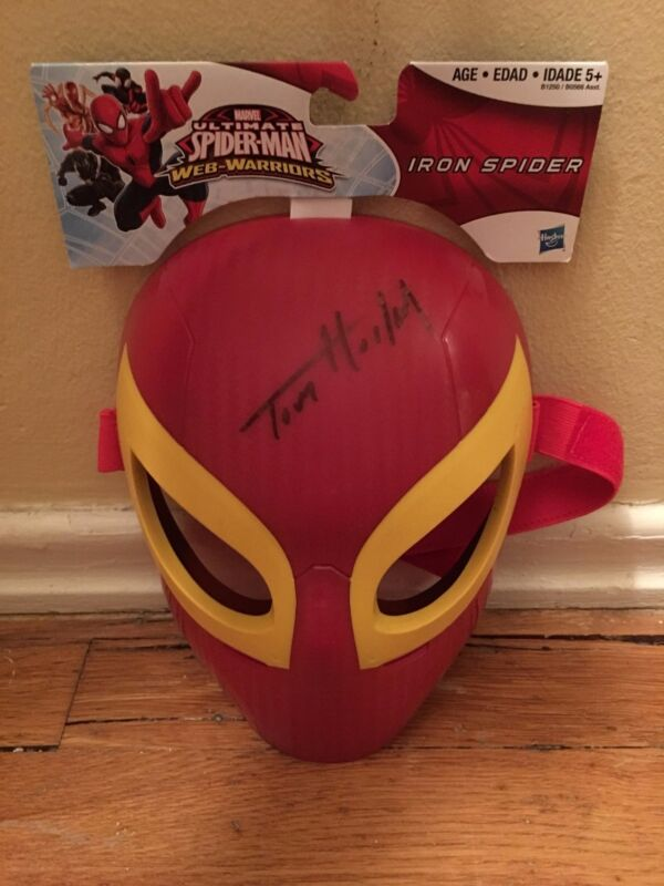 AVENGERS INFINITY WAR SIGNED TOM HOLLAND SIGNED SPIDER-MAN MASK AUTO PSA PROOF