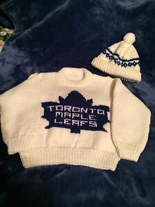 Toronto Maple Leafs Sweater and cap