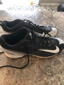 Size 8.5 Nike vapor baseball cleats