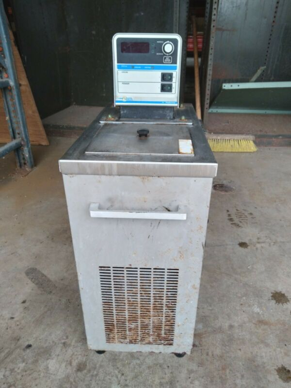 VWR Model 1160-a heated / refrigerated circulating chiller. -20 - +150 c