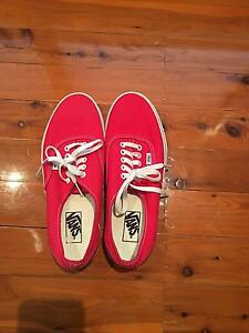 """NEW"" Red and White Vans US 10 Castle Hill The Hills District Preview"