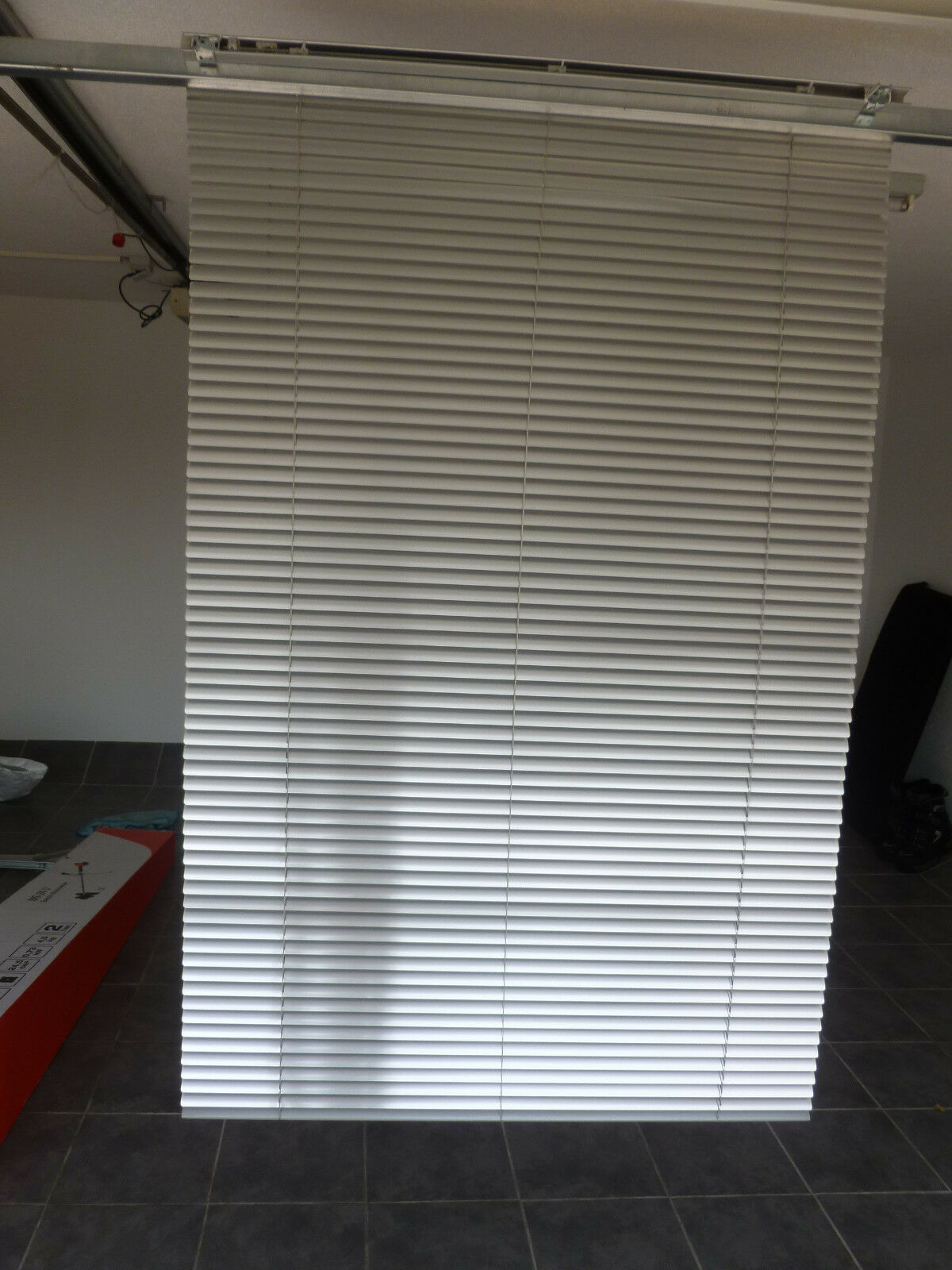Alu Jalousie für Fenster, Innenbereich, H. 160 cm, B. 100 cm, grau,guter Zustand
