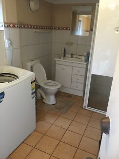 Looking for 1 person Epping Ryde Area Preview