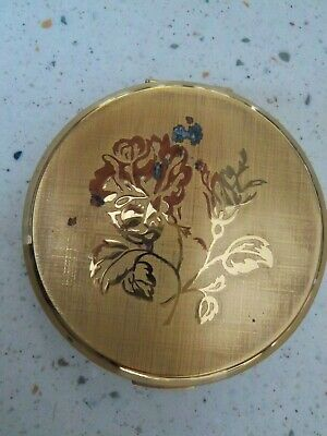 1950s Hats: Pillbox, Fascinator, Wedding, Sun Hats Vintage 1950's Stratton Compact Powder Made in England Floral Design Lid 3