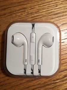 Apple ear pods with 3.5mm jack