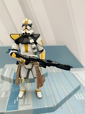 STAR WARS AOTC   ACTION  FIGURE MINT & LOOSE -CLONE TROOPER 327th SQUADRON
