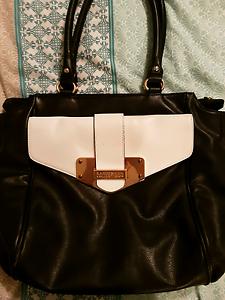 Kardashian handbag for sale Leda Kwinana Area Preview