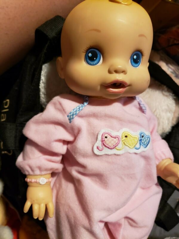Baby Alive 2006 Blonde girl Wets and Wiggles anatomically correct. Works