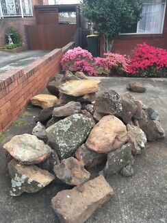 Bush rocks for garden landscaping Free , come pick up