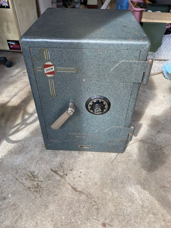 Vintage Collectible Herring Hall Marvin Floor Safe With Combination Works