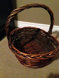 Wicker basket 17x18