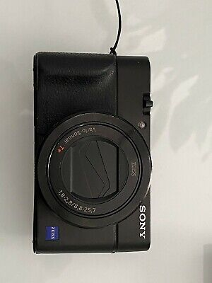 Sony RX100 III 20.1 MP Compact Camera with AGR2 grip