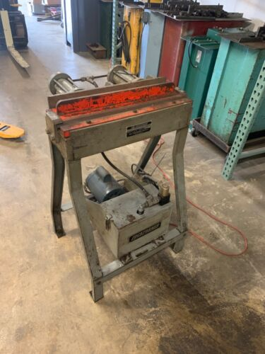 Used 20 Gauge Lockformer Hydraulic Button Punch Power Cleat Bender