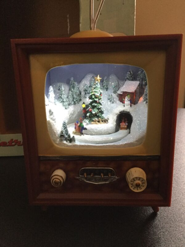 Retro TV w/ Lighted Animated~Christmas Scene By Roman