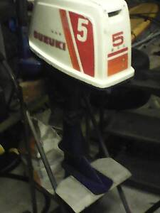 tohatsu 5 hp outboard great condition. has stability fins Empire Bay Gosford Area Preview