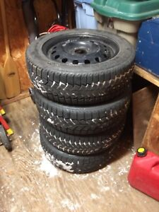 185/60R15 tire d'hiver roue Ford Fiesta