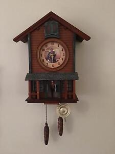 JOHN WAYNE COOKOO CLOCK LIGHTS UP AND SALOON DOORS OPEN EX COND Nowra Nowra-Bomaderry Preview