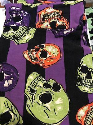 👻 Lularoe TC Halloween Leggings Skulls HTF NWT 🎃