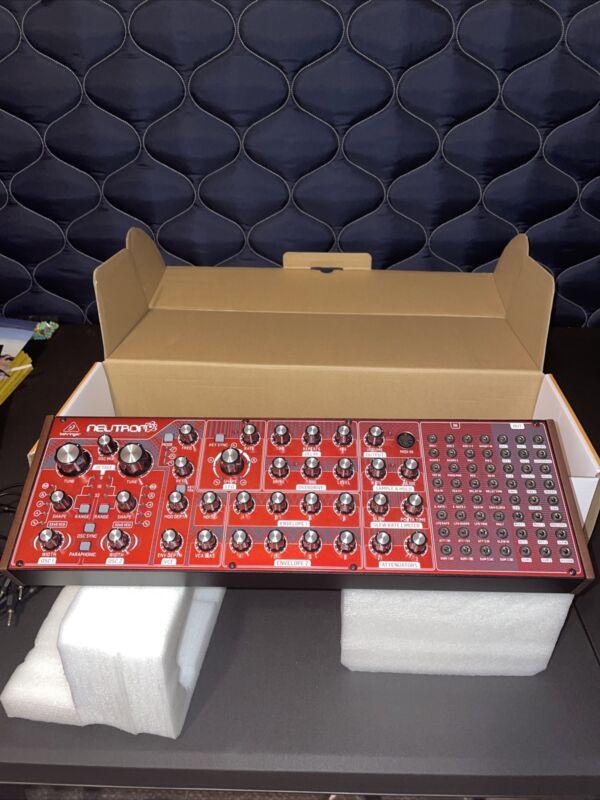 Behringer Neutron Semi-Modular Analog Synthesizer