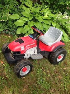 Peg perego kids ride on case tractor 6v for ages 2-4