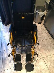 Chaise fauteuil roulant enfant