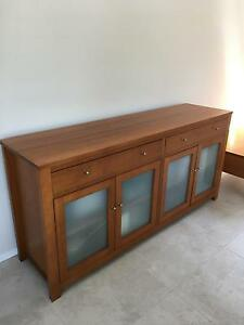 Beautiful solid wood buffet, dining set also available Brighton East Bayside Area Preview