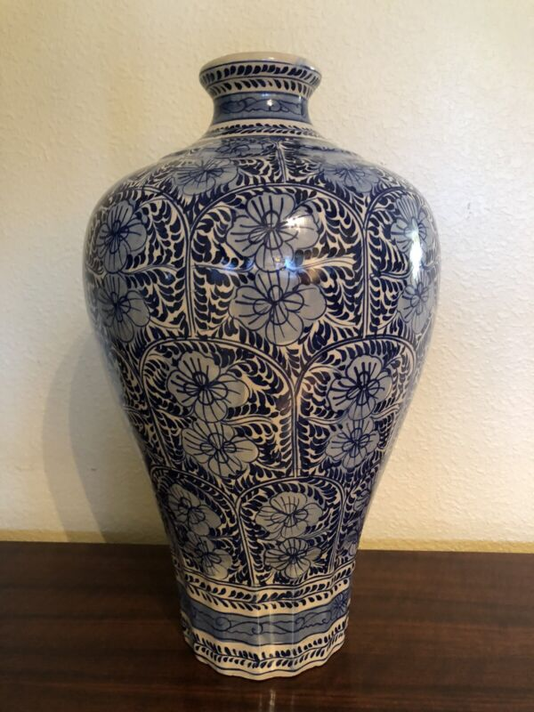 William Sonoma Hand Painted Semigloss Floral Ginger Jar, Imperial Style