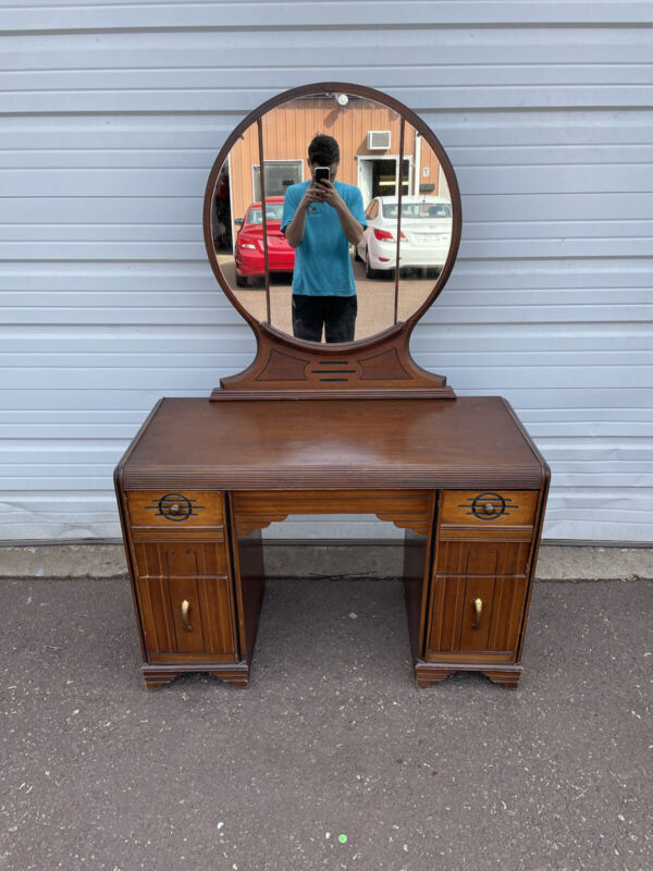 Antique Art Deco Bedroom Dressing Makeup Vanity with Mirror