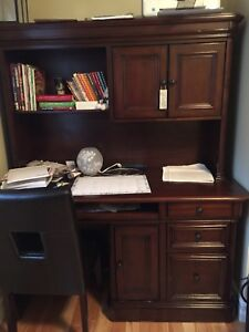 Beautiful desk and hutch!