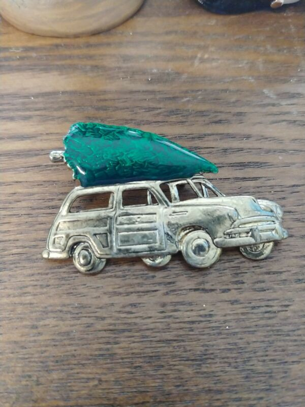 Christmas Brooch- Vintage Car Bringing Home The Tree On The Roof