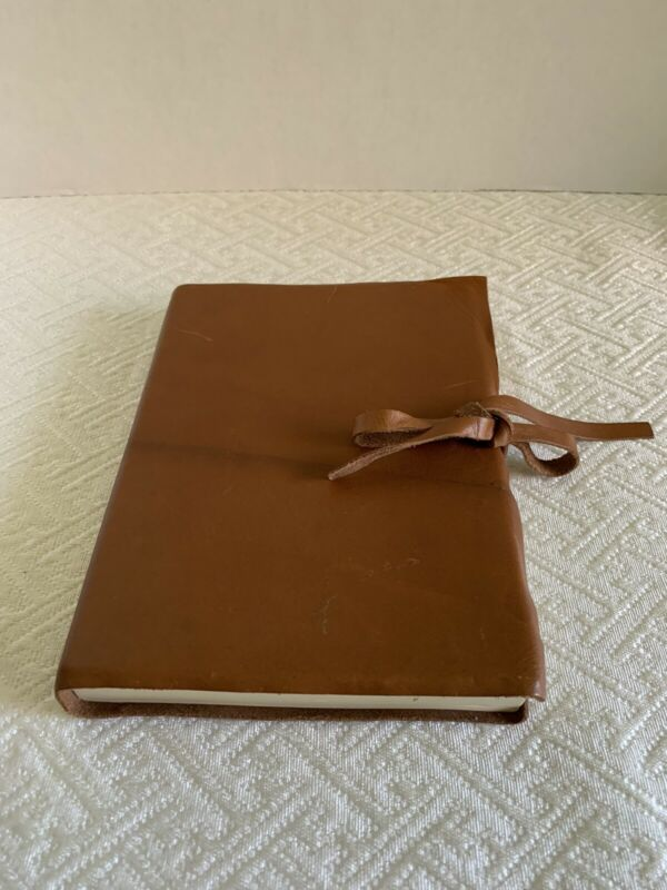 Never Used Vintage Il Papiro Italian leather Journal book w/ Leather Ties