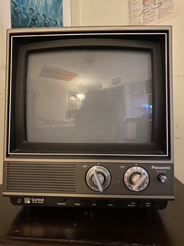 1982 Panasonic Color TV Television CT1110B FULLY FUNCTIONING VINTAGE TV READ DIS