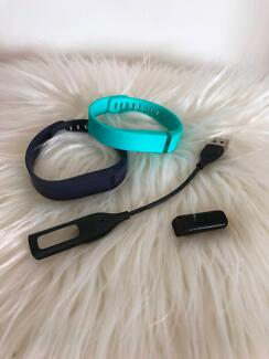 Fitbit Flex, 2 bands and charging lead