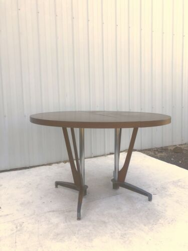 Mid Century Modern Laminate Dining Table with Unique Pedestal Base