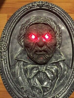 ANIMATED TALKING BUST Head Mouth Opens JAW Moves EYES Light up RED FRAME Prop - Halloween Animated Talking Busts