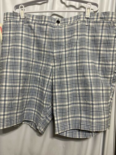 DOCKERS MENS SHORTS SIZE 44 NEW  CLASSIC FIT WITH CELL PHONE