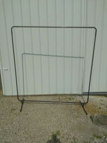 SINGER SAFETY WELDING CURTAIN FRAME ONLY 6 ft X 6 ft