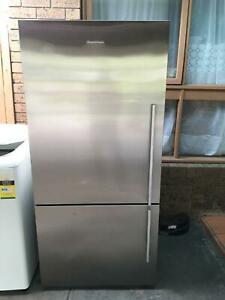 Fisher Paykel 519L Stainless Steel Fridge E522BLXFD3, as new