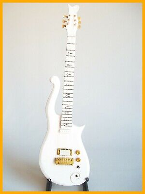 Prince! Guitarra Miniatura De Collection Love Symbol White Cloud ! Eléctrica