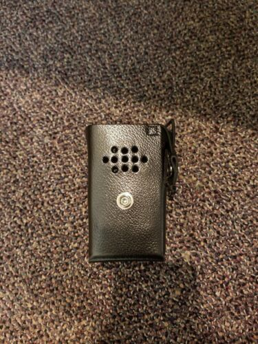 Motorola, MR8420-3BW, BPR40 Leather Case w/Swivel