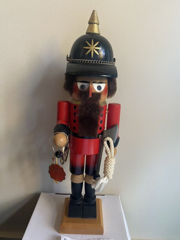 Signed 1989 Steinbach German Fireman S699 Christmas Nutcracker w/Box Volkskunst