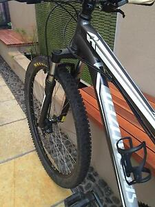 Specialized hard rock sport disc 29er mountain bike Brighton Holdfast Bay Preview